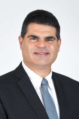 Dr. Robert Hernandez
