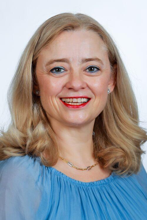 Dr. Lourdes Vega