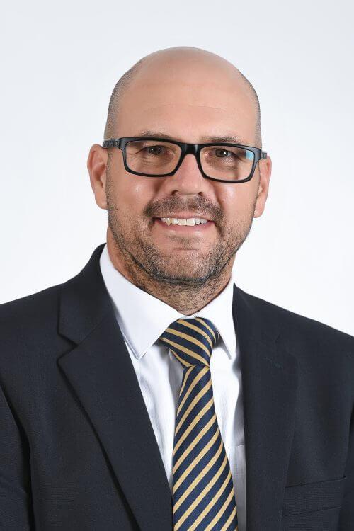 Dr. Riaan Van Der Merwe