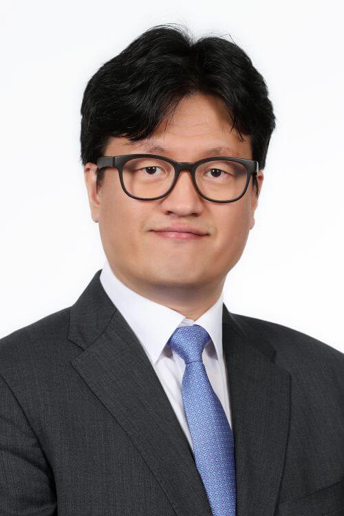 Dr. Sung Mung Lee