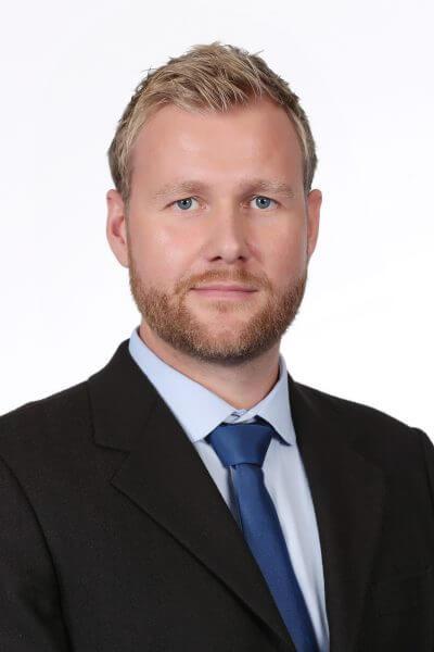Dr. Dominik Hennhoefer