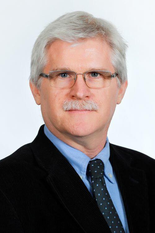 Dr. Curtis Bradley