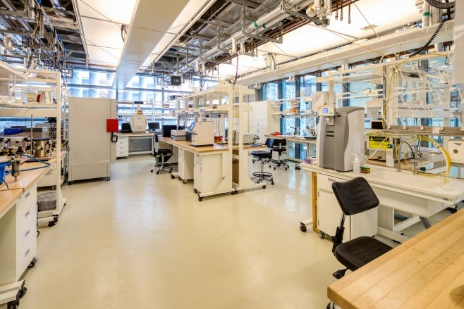 Analytical Chemistry And Biochemistry Core Lab