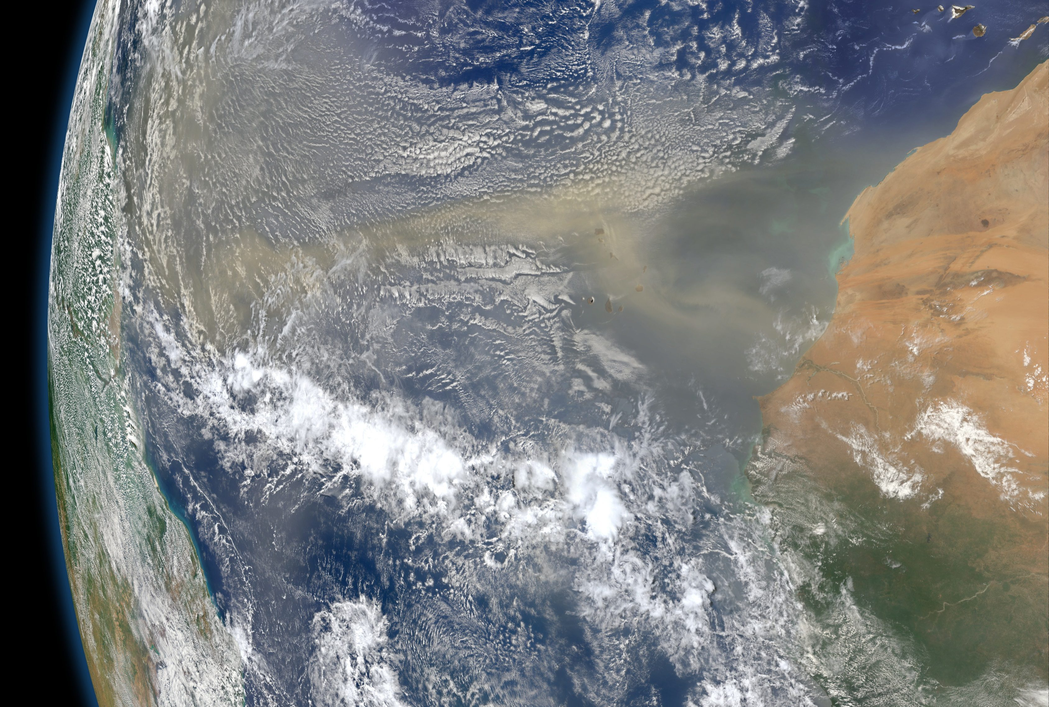 Researchers at Khalifa University's ENGEOS Lab Identify 'Subtropical High' Pressure as Reason for Gigantic Dust Storm in June 2020